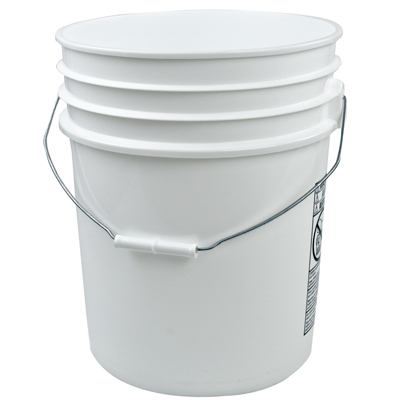 5 Gallon White Bucket w/Metal Handle