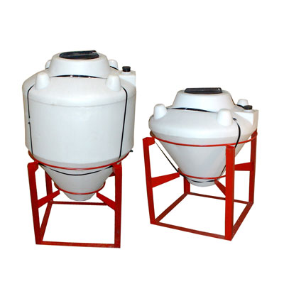 Polyethylene Cone Bottom Mix And Fill Tanks
