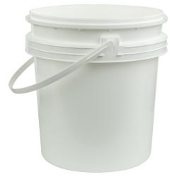White Polypropylene 2-1/2 Gallon/9.5 Liter Bucket with Handle